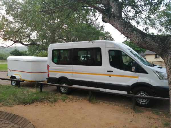 10 Seater with Luggage Trailers